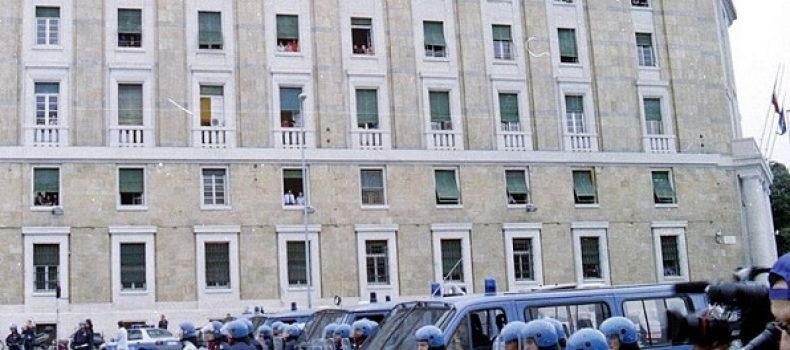 Genova 2001, scaduti i cinque anni di interdizione per i poliziotti condannati. Il commento di Simone Sabattini (avvocato)