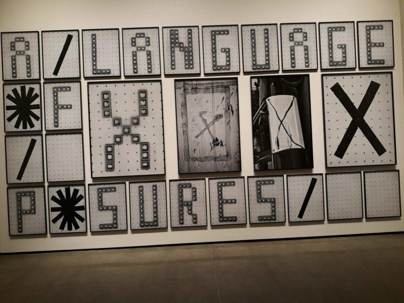 The Electric Comma: l'intelligenza artificiale ispira l'arte.
