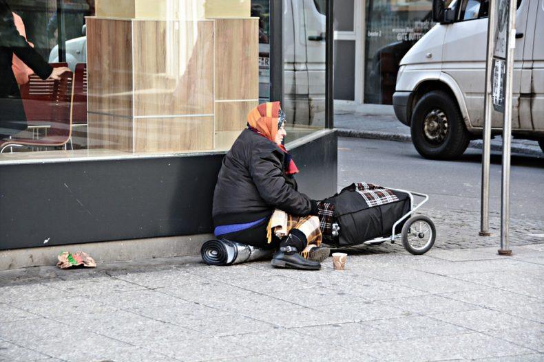 In Italia oltre 5 milioni di poveri assoluti. Ne parliamo con la Caritas di Roma