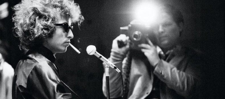 """Bob Dylan, l'uomo dalle mille maschere, """"camaleontico artista del nostro tempo"""""""