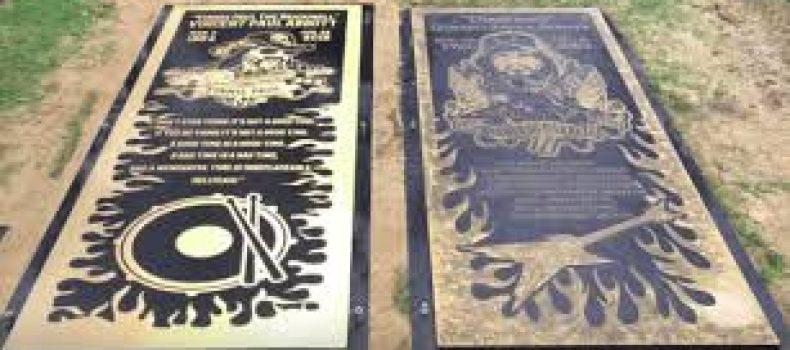 PANTERA: la foto che ritrae integralmente le tombe di Vinnie Paul e Dimebag Darrell