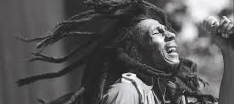 Marley canta War all'Amandla Festival of Unity nel 1979