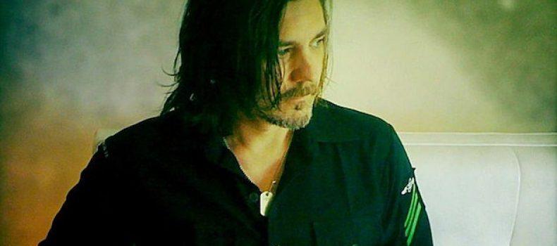 Il bassista Paul D'Amour, ex membro dei Tool, viene reclutato dai Ministry