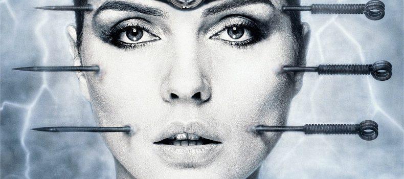 """Debbie Harry e """"Backfired"""", il videoclip dall'estetica cyberpunk targato H.R. Giger"""