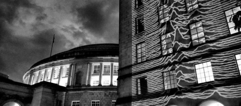 L'omaggio di Manchester per il 40° di Unknown Pleasures