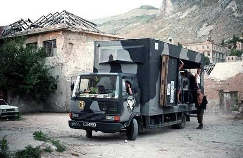 """""""Partying During Wartime"""": quella volta che i Desert Storm portarono la techno a Sarajevo"""